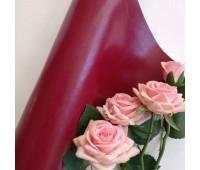 Переплетный глянцевый кожзам с фактурой, цвет винный