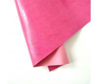 Переплетный глянцевый кожзам с фактурой, цвет  дикая клубника