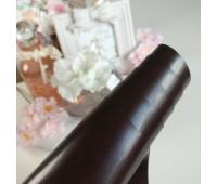 Переплетный глянцевый кожзам с мелкой фактурой, цвет темно-коричневый