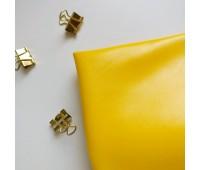 Кожзам стрейч глянцевый, цвет желтый 25-33 см