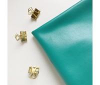 Кожзам стрейч глянцевый, цвет зеленый 25-33 см